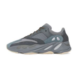 "Yeezy Boost 700 ""Teal Blue"" Fake"